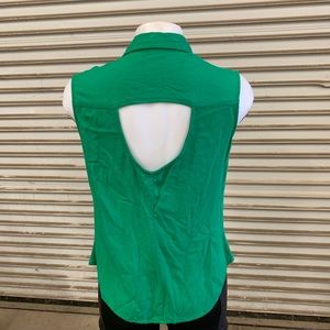 Rebellious One Tops - 🛍Rebellious one green short sleeve w/cut out back